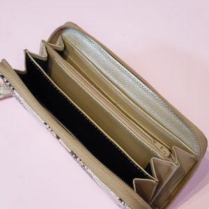 billetera en cuero